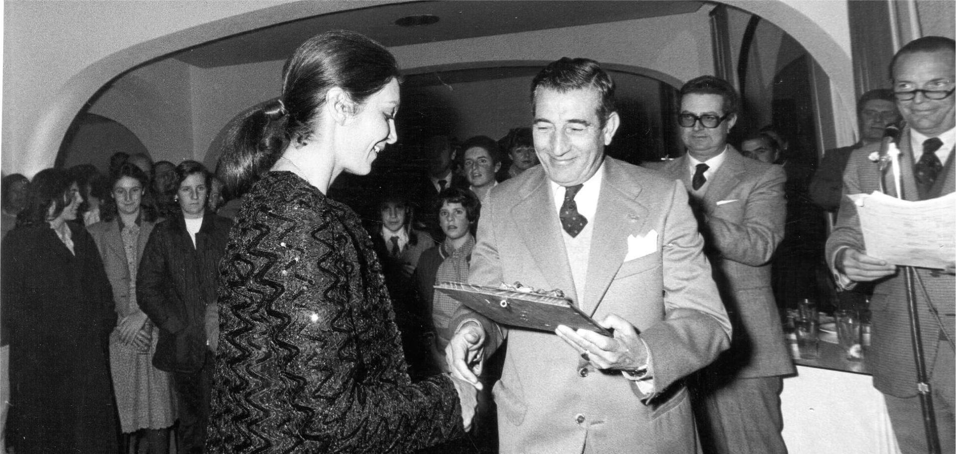 Premio a Goli Bakhtiar en Valderrama