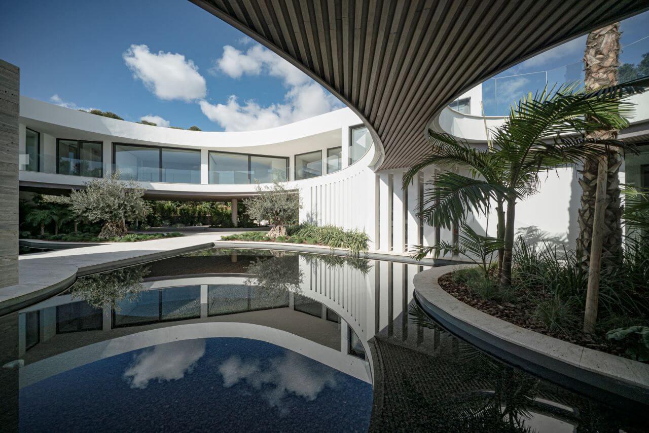 Modern villa for sale in La Reserva - Sotogrande