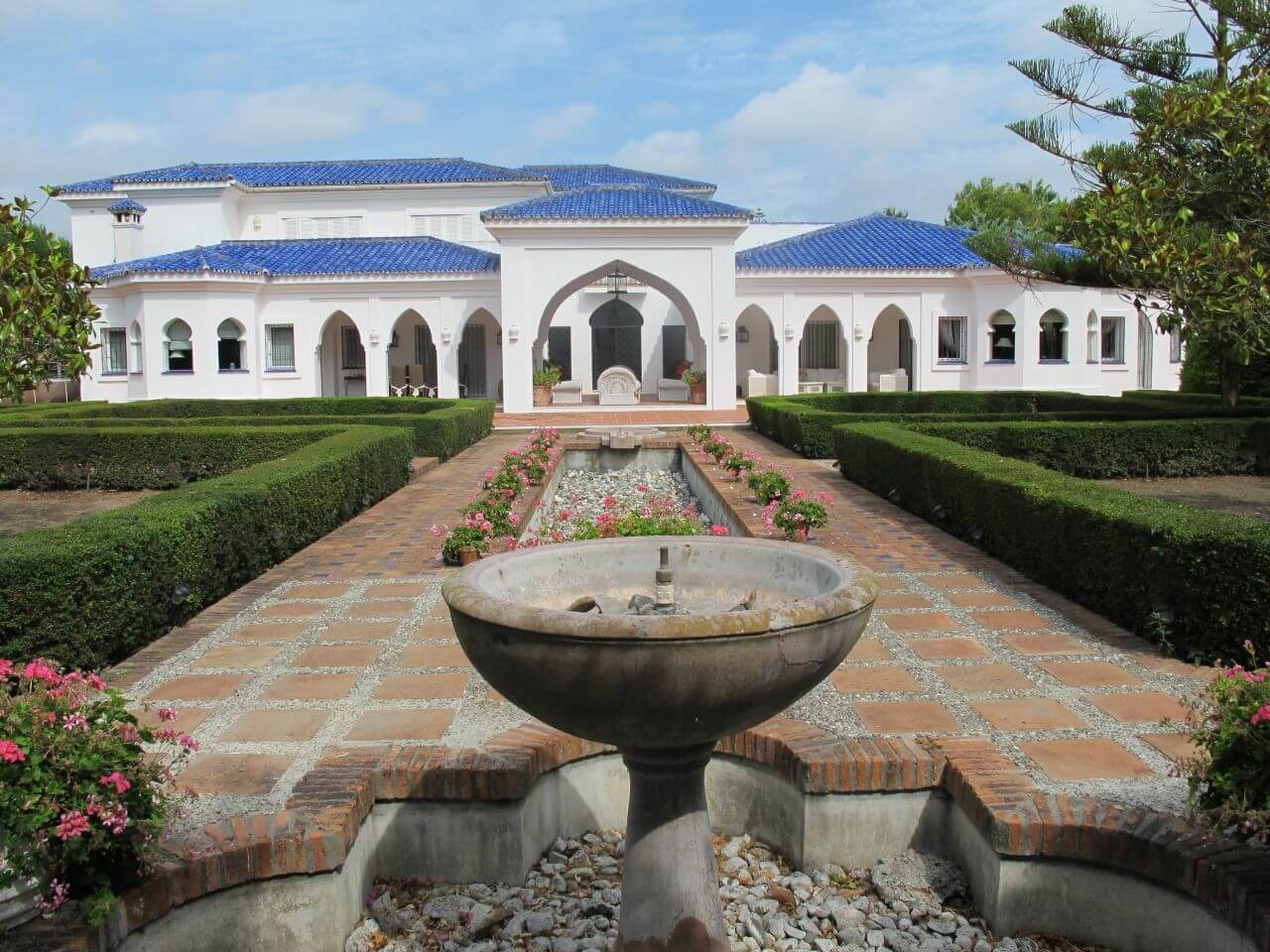 Traditional Villa Sotogrande with blue roof